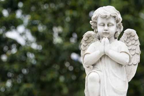Bestattung Unvergessen Friedhöfe Statue