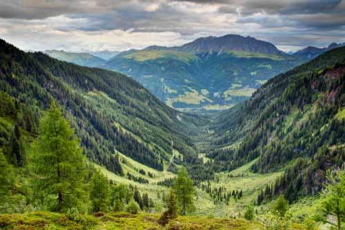 Bestattung-Unvergessen Naturbestattung Berg Landschaft individuelle Trauerfeier