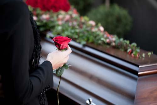 Bestattung Unvergessen Todesfall Individueller Abschied im kleinen Kreis